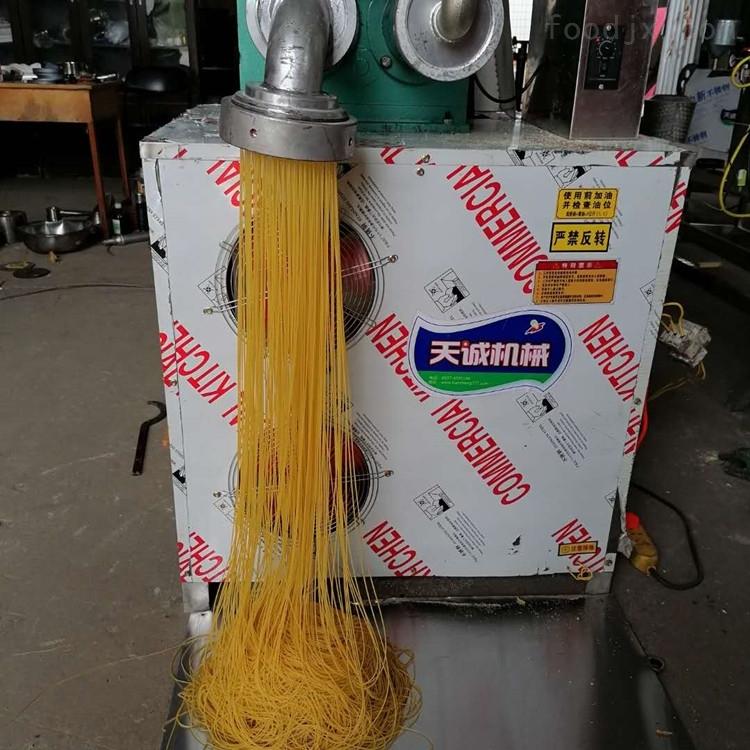 自熟型杂粮面条机客户来厂试机生产